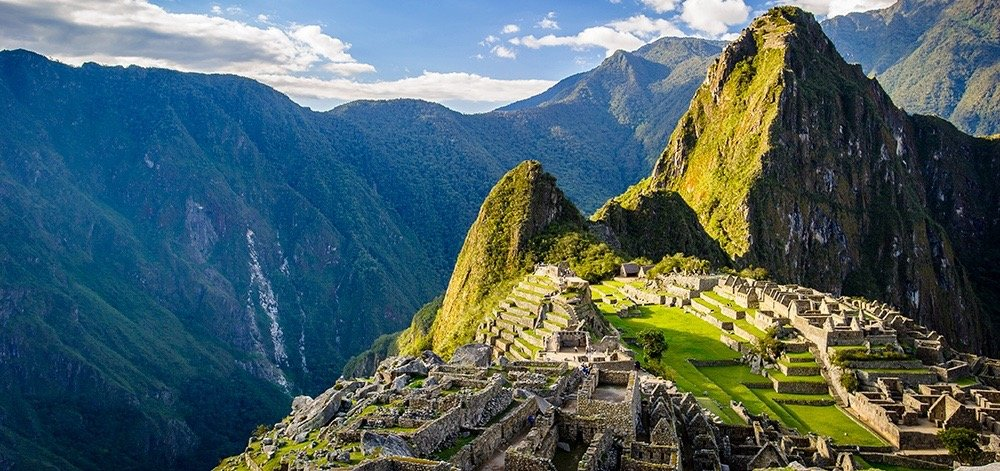 trekking and hiking the inca trail to the sun gate in machu picchu cusco peru, killa expeditions