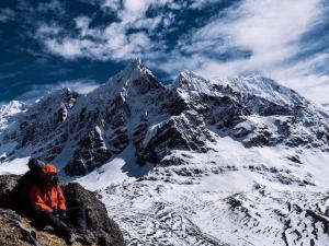 ausangate trek mountain snowy glacial mountain view killa expeditions