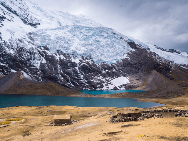 lake alpacas ausangate machu picchu trek