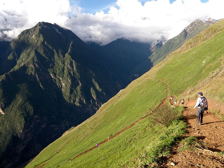 trekking the choquequirao ruins trek in cusco peru to machu picchu killa expeditions adventure trekking trips