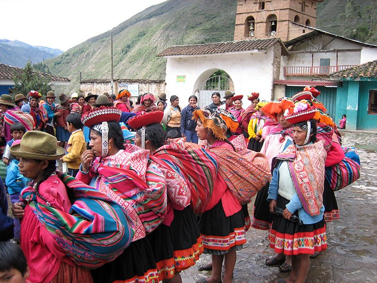 social projects charity event in the lares valley community cusco peru killa expeditions giving back